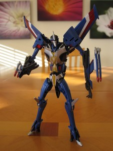 Thundercracker - Robot Mode
