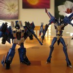 Classics Thundercracker and Transformers Prime Thundercracker - Robot Modes