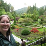 Jessica poses in front of Butchart Gardens in Victoria, BC. (6/5/2008)